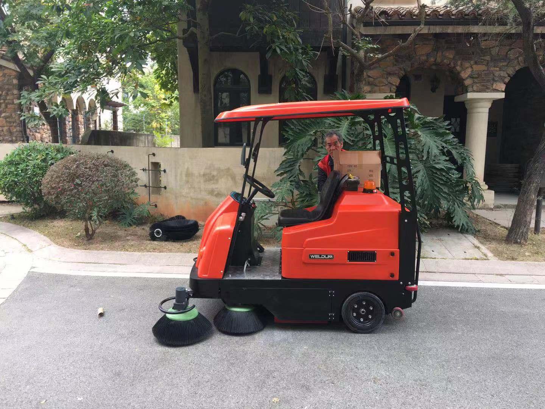 驾驶式扫地车可以解决哪些清洁问题