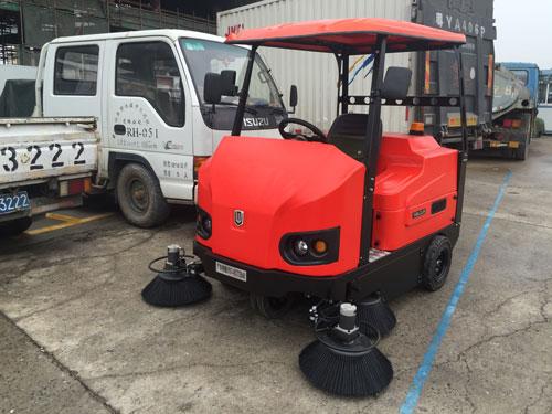 重庆扫地机,驾驶式扫地机的功能介绍