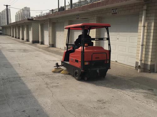 小型电动扫地车有什么优势