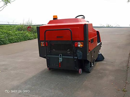 电动环卫扫地车维修与保养